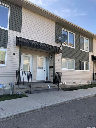 Photo 2: 9 315 N Avenue South in Saskatoon: Pleasant Hill Residential for sale : MLS®# SK784198