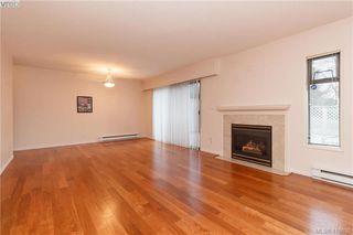 Photo 3: 5 1480 Garnet Road in VICTORIA: SE Cedar Hill Row/Townhouse for sale (Saanich East)  : MLS®# 419630