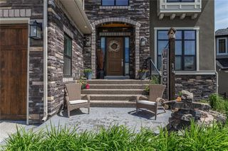 Photo 2: 14 TIMBERLINE Place SW in Calgary: Springbank Hill Detached for sale : MLS®# C4280720