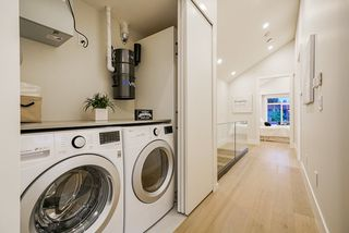 Photo 22: 372 E 16TH AVENUE in Vancouver: Main House 1/2 Duplex for sale (Vancouver East)  : MLS®# R2463791