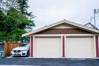 Photo 34: 372 E 16TH AVENUE in Vancouver: Main House 1/2 Duplex for sale (Vancouver East)  : MLS®# R2463791