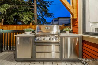 Photo 29: 372 E 16TH AVENUE in Vancouver: Main House 1/2 Duplex for sale (Vancouver East)  : MLS®# R2463791