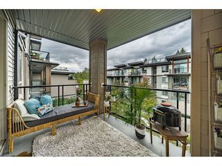 "Photo 18: 305 7428 BYRNEPARK Walk in Burnaby: South Slope Condo for sale in ""The Green"" (Burnaby South)  : MLS®# R2489455"