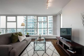 Photo 12: 1704 125 Milross in : Downtown VE Condo for sale (Vancouver East)  : MLS®# R2500854