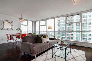Photo 5: 1704 125 Milross in : Downtown VE Condo for sale (Vancouver East)  : MLS®# R2500854