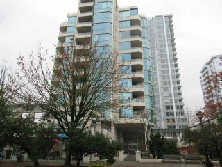 "Main Photo: 802 140 E 14 Street in North Vancouver: Central Lonsdale Condo for sale in ""Springhill Place"" : MLS®# R2531399"