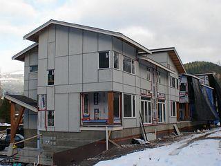 "Photo 1: SL13 41488 BRENNAN Road in Squamish: Brackendale House 1/2 Duplex for sale in ""RIVENDALE"" : MLS®# V948080"