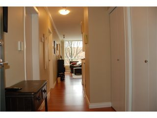 Photo 6: 202 1888 York Avenue in Vancouver: Kitslano Condo for sale (Vancouver West)  : MLS®# V944205