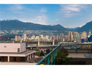 "Photo 2: 604 1355 W BROADWAY in Vancouver: Fairview VW Condo for sale in ""THE BROADWAY"" (Vancouver West)  : MLS®# V1077006"