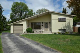 Photo 1: 5 Edderton Bay in Winnipeg: West Fort Garry Single Family Detached for sale (South Winnipeg)  : MLS®# 1522135