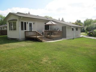 Photo 2: 5 Edderton Bay in Winnipeg: West Fort Garry Single Family Detached for sale (South Winnipeg)  : MLS®# 1522135