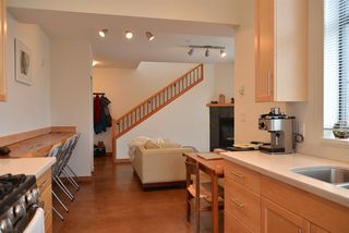 Photo 6: 206 641 MAHAN ROAD in Gibsons: Gibsons & Area Condo for sale (Sunshine Coast)  : MLS®# R2034519