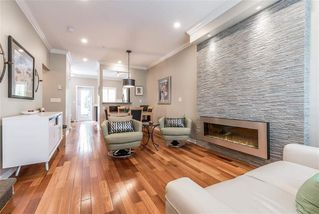 Photo 3: 2288 CHESTERFIELD AVENUE in North Vancouver: Central Lonsdale Townhouse for sale : MLS®# R2113190