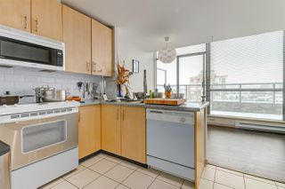 Photo 8: 2104 7368 SANDBORNE AVENUE in Burnaby: South Slope Condo for sale (Burnaby South)  : MLS®# R2144966