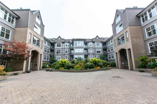 Photo 2: 121 20202 56 Avenue in Langley: Langley City Condo for sale : MLS®# R2215957