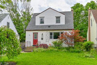 Photo 2: 52 Martha Street in Hamilton: House for sale : MLS®# H4056393