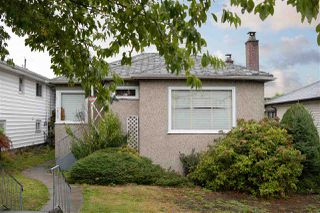"Main Photo: 3027 E 2ND Avenue in Vancouver: Renfrew VE House for sale in ""RENFREW"" (Vancouver East)  : MLS®# R2405905"