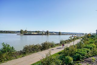 Photo 4: 1104 210 Salter Street in New Westminster: Queensborough Condo for sale