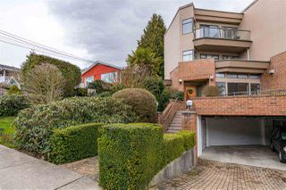 Photo 1: 820 MAPLE Street: White Rock Townhouse for sale (South Surrey White Rock)  : MLS®# R2438919