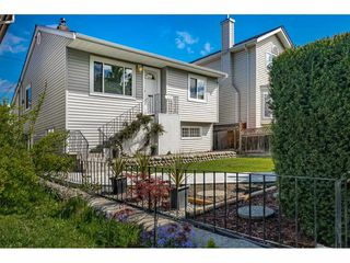 Photo 3: 1635 E 57TH Avenue in Vancouver: Fraserview VE House for sale (Vancouver East)  : MLS®# R2452988