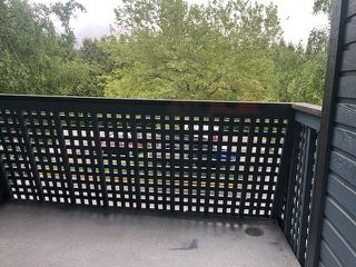 "Photo 10: 213 17661 58A Avenue in Surrey: Cloverdale BC Condo for sale in ""Wyndham Estates"" (Cloverdale)  : MLS®# R2455488"
