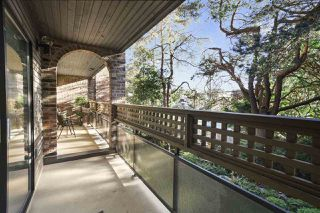 """Photo 7: 216 2320 W 40TH Avenue in Vancouver: Kerrisdale Condo for sale in """"Manor Gardens"""" (Vancouver West)  : MLS®# R2466171"""