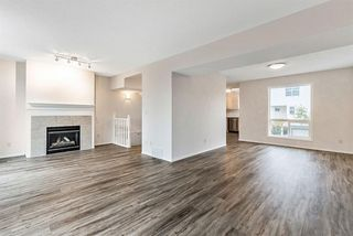 Photo 3: 16 200 Hidden Hills Terrace NW in Calgary: Hidden Valley Row/Townhouse for sale : MLS®# A1042995