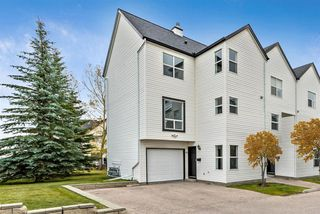 Main Photo: 16 200 Hidden Hills Terrace NW in Calgary: Hidden Valley Row/Townhouse for sale : MLS®# A1042995