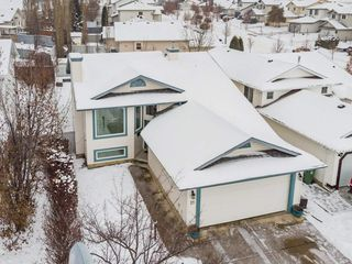 Photo 2: 21 HARCOURT Crescent: St. Albert House for sale : MLS®# E4221402