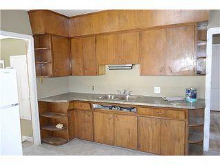Photo 2: 639 12 Avenue NE in CALGARY: Renfrew Regal Terrace Residential Detached Single Family for sale (Calgary)  : MLS®# C3549703