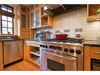 "Photo 7: 4550 W 7TH Avenue in Vancouver: Point Grey House for sale in ""POINT GREY"" (Vancouver West)  : MLS®# V990504"
