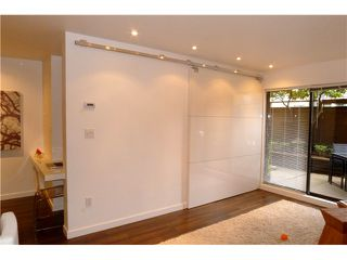 """Photo 5: 103 349 E 6TH Avenue in Vancouver: Mount Pleasant VE Condo for sale in """"LANDMARK HOUSE"""" (Vancouver East)  : MLS®# V995489"""