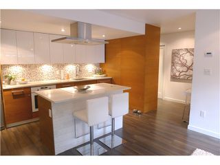 """Photo 2: 103 349 E 6TH Avenue in Vancouver: Mount Pleasant VE Condo for sale in """"LANDMARK HOUSE"""" (Vancouver East)  : MLS®# V995489"""
