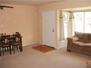 Photo 2: SAN DIEGO House for sale : 3 bedrooms : 6820 Waite Drive