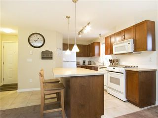 "Photo 3: 313 7000 21ST Avenue in Burnaby: Highgate Townhouse for sale in ""VILLETTA"" (Burnaby South)  : MLS®# V1026981"