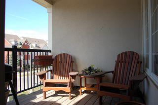 Photo 3: 111 Georgian Drive in Oakville: Condo for sale : MLS®# 2070423