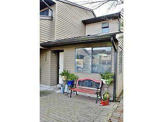 Photo 2: # 25 20653 THORNE AV in Maple Ridge: Southwest Maple Ridge Condo for sale : MLS®# V1096697