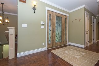 Photo 3: 1373 CHINE CRESCENT in Coquitlam: Harbour Chines House for sale : MLS®# R2034984