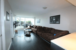 Photo 5: 109 1618 Quebec Street in Vancouver: Mount Pleasant VE Condo for sale (Vancouver East)  : MLS®# R2049262
