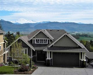 Photo 2: 36458 CARNARVON COURT in : Abbotsford East House for sale : MLS®# R2156933