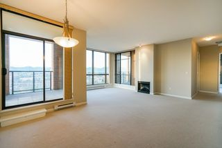 Photo 8: 2402 6823 STATION HILL DRIVE in Burnaby: South Slope Condo for sale (Burnaby South)  : MLS®# R2336774