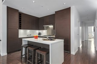 "Photo 2: 301 1241 HOMER Street in Vancouver: Yaletown Condo for sale in ""1241 HOMER"" (Vancouver West)  : MLS®# R2388416"