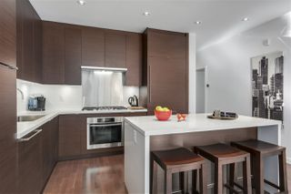 "Photo 3: 301 1241 HOMER Street in Vancouver: Yaletown Condo for sale in ""1241 HOMER"" (Vancouver West)  : MLS®# R2388416"
