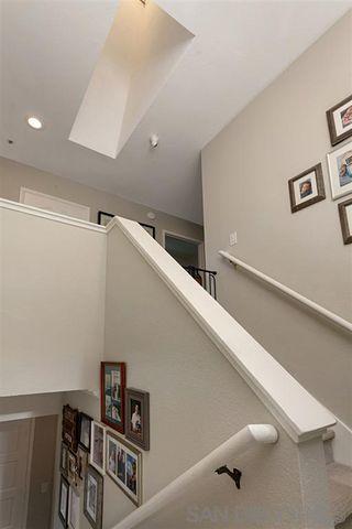 Photo 10: OCEANSIDE House for sale : 3 bedrooms : 913 Vine St.