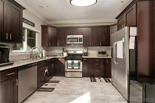 Photo 6: OCEANSIDE House for sale : 3 bedrooms : 913 Vine St.