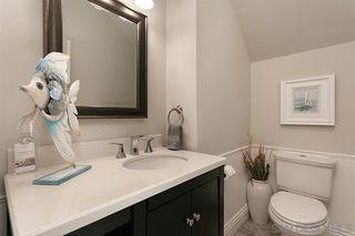 Photo 9: OCEANSIDE House for sale : 3 bedrooms : 913 Vine St.