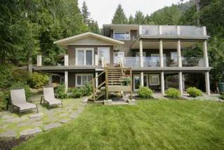 Photo 1: 190 MOUNTAIN Drive in West Vancouver: Home for sale : MLS®# V903436