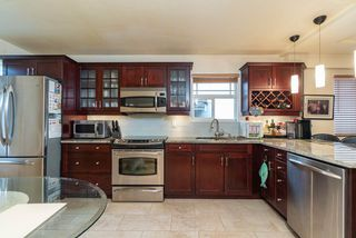 Photo 4: 1715 E 47TH Avenue in Vancouver: Killarney VE House for sale (Vancouver East)  : MLS®# R2446314