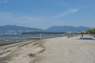 "Photo 31: 301 2255 YORK Avenue in Vancouver: Kitsilano Condo for sale in ""BEACH HOUSE"" (Vancouver West)  : MLS®# R2458588"