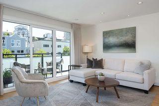 "Photo 2: 301 2255 YORK Avenue in Vancouver: Kitsilano Condo for sale in ""BEACH HOUSE"" (Vancouver West)  : MLS®# R2458588"
